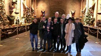 Gruppen-Foto ist ein Muss in der Speisehalle von Hogwarts