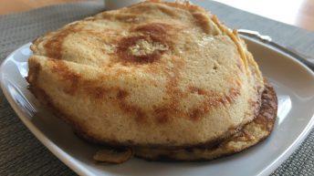 Die Pancakes sind aufgrund der Zutaten sehr fluffig